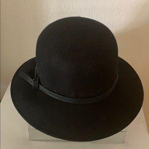 Nine West black Bucket hat